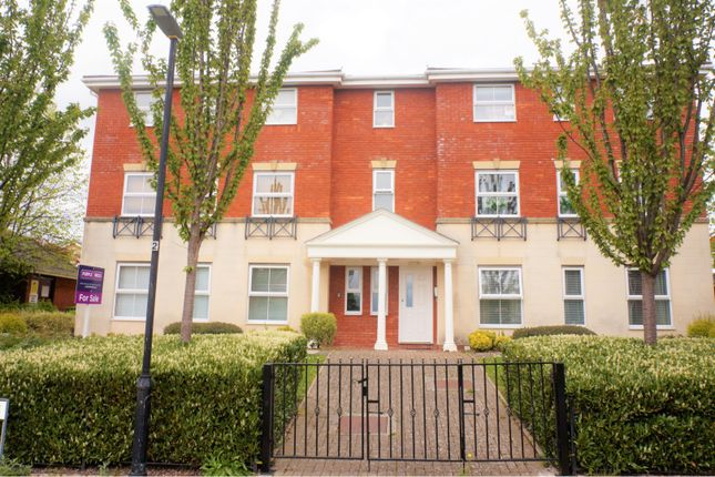 Thumbnail Flat for sale in Heol Broadland, Barry