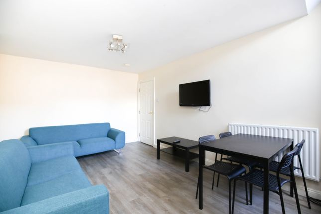 Thumbnail Maisonette to rent in Starbeck Avenue, Sandyford, Newcastle Upon Tyne