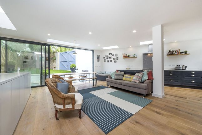 Thumbnail Flat for sale in Tytherton Road, Tufnell Park, London