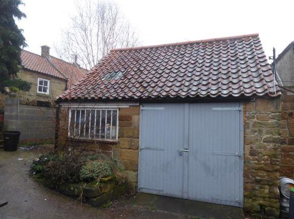 4 West End, Osmotherley - Garage