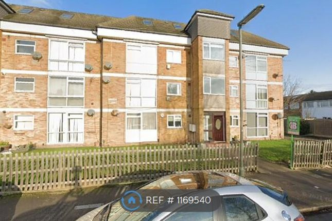 Thumbnail Flat to rent in Edward Way, Ashford