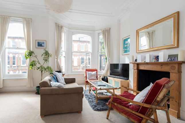 1 bed flat to rent in Hemberton Road, London SW9