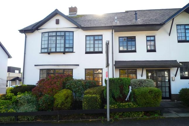 Thumbnail Flat to rent in Britway Road, Dinas Powys