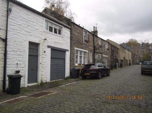 Thumbnail Cottage to rent in Dean Park Mews, Comely Bank, Edinburgh