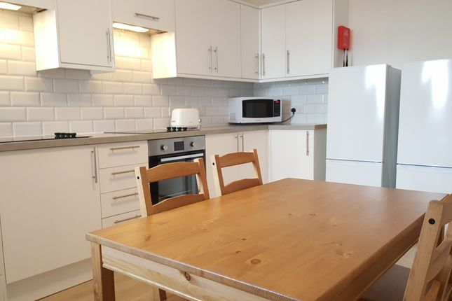 Thumbnail Flat to rent in Cheshire, Widnes