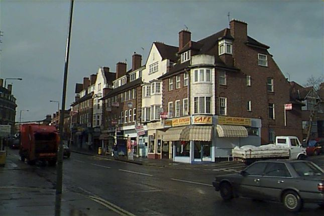 4 bed flat to rent in Finchley Lane, Hendon