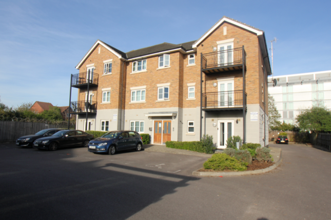 Thumbnail Flat to rent in New Road, Harlington, Hayes