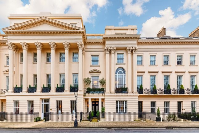 Thumbnail Flat to rent in Cornwall Terrace, London