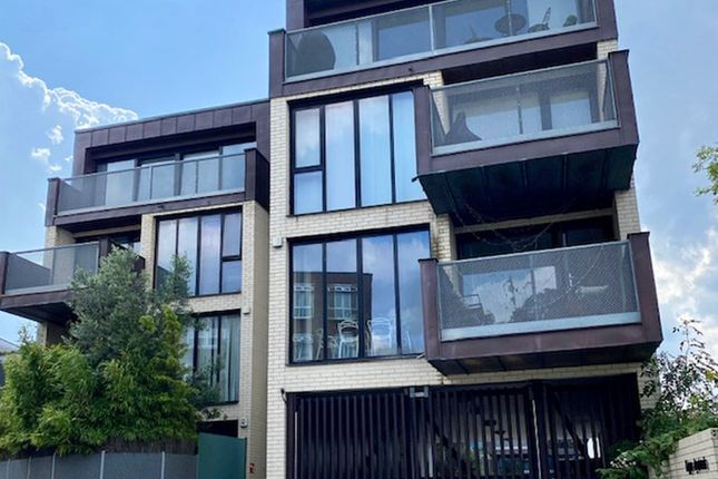 Thumbnail Flat to rent in Copper Apartments, Invicta Road, London
