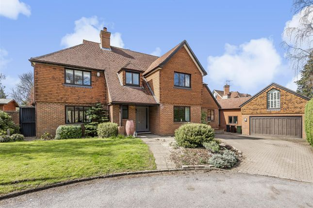 Thumbnail Detached house for sale in Berkeley Place, Woodcote End, Epsom