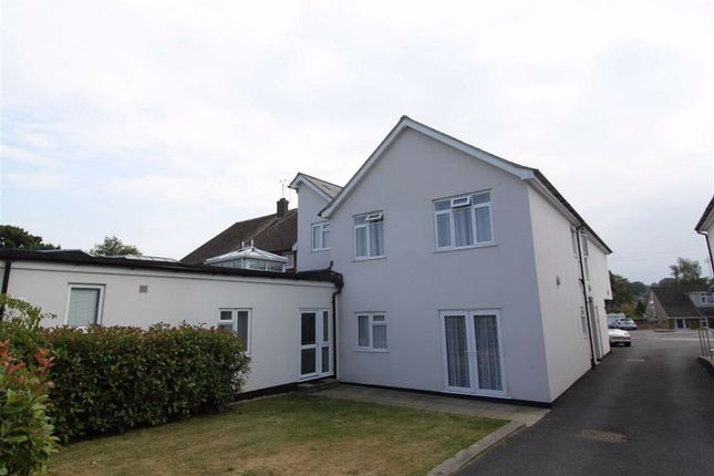 1 bed flat to rent in Rayleigh Road, Leigh-On-Sea, Essex SS9