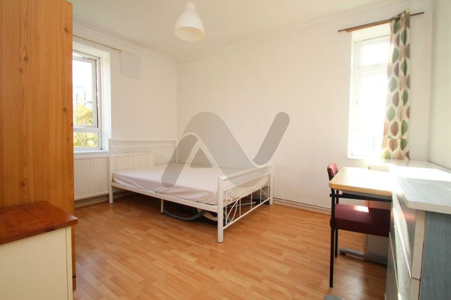 Thumbnail Room to rent in Finmere House, Manor House