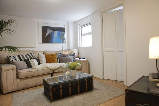 Thumbnail Flat to rent in Fordham Street, London