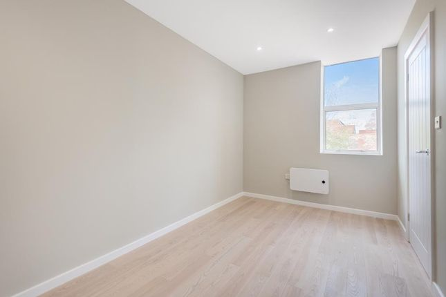 Thumbnail Flat to rent in Theale, Berkshire