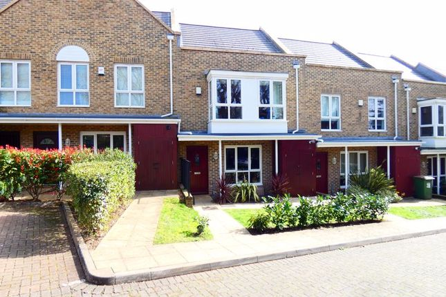 Thumbnail Terraced house to rent in Sunnyfield Rise, Bursledon, Southampton