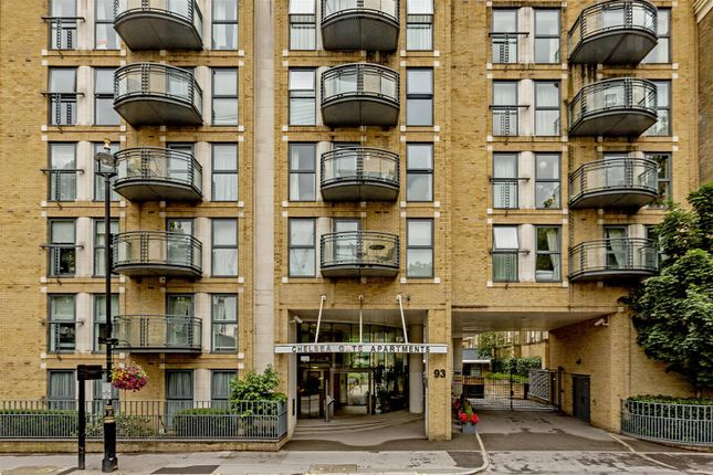 Exterior of Chelsea Gate Apartments, 93 Ebury Bridge Road, Chelsea, London SW1W