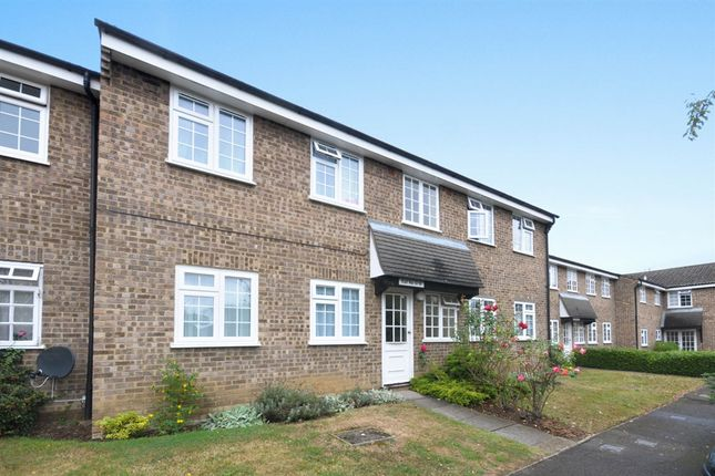 1 bed flat for sale in Minstrel Gardens, Surbiton