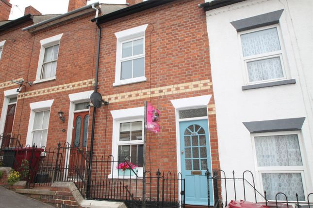 Terraced house to rent in Hill Street, Reading, Berkshire