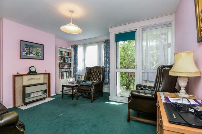 Reception Room of Barringer Square, London SW17