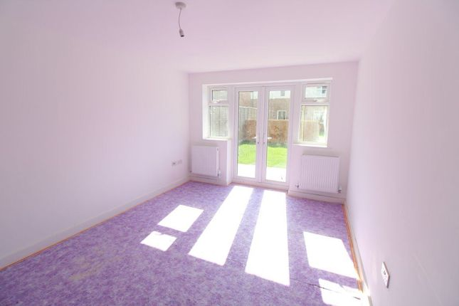 Thumbnail Flat to rent in Empress Road, Luton