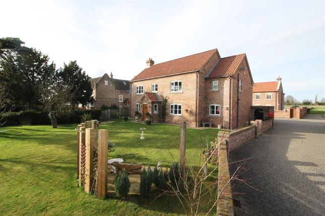 Thumbnail Detached house for sale in West Croft Close, Rampton, Retford