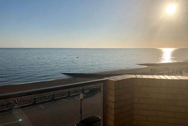 Thumbnail Flat for sale in Bath Court, Kings Esplanade, Hove.