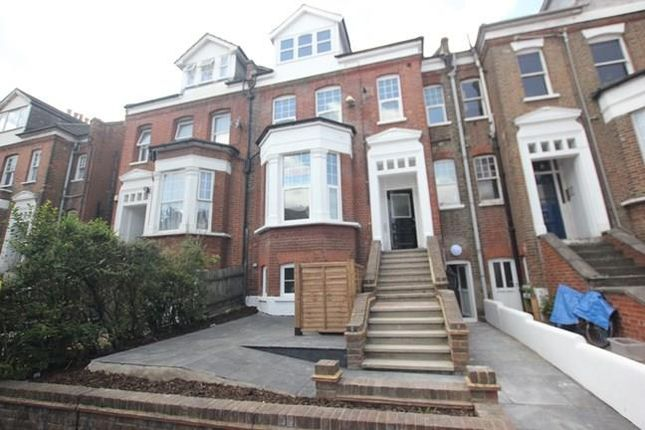 Thumbnail Flat to rent in Park Avenue, Bounds Green