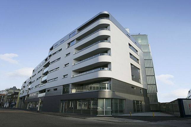 2 bed flat to rent in Empire Square East, Empire Square, London