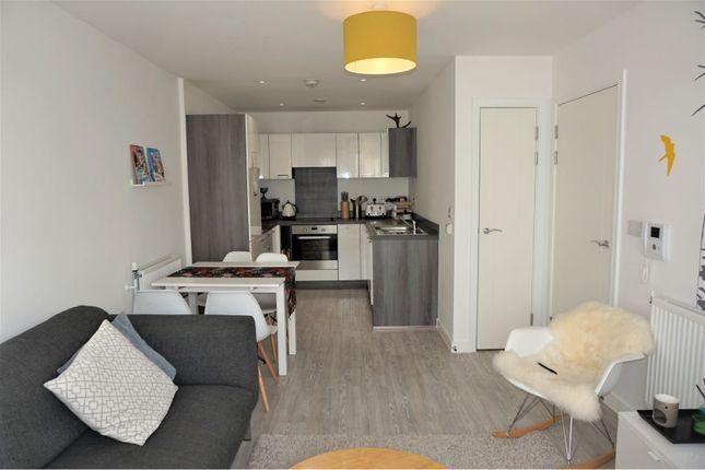 Thumbnail Flat to rent in 3 Cabot Close, Croydon