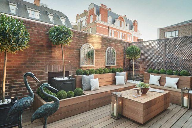 Thumbnail Flat to rent in Sloane Street, London