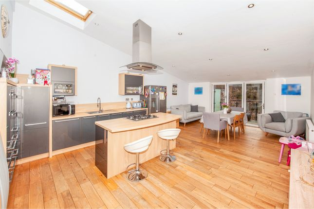 Thumbnail Link-detached house for sale in Copper Beech Way, Leighton Buzzard