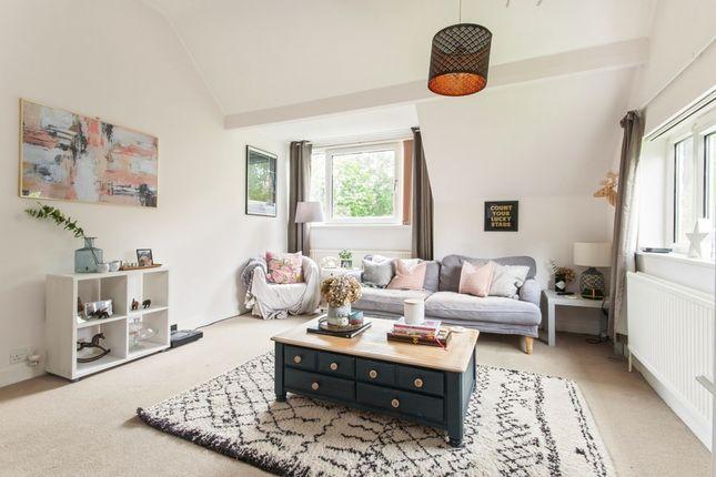 Thumbnail Flat to rent in London Road, Windlesham