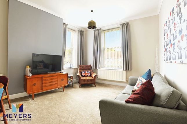 Thumbnail Flat for sale in Redwood House, Charlton Down