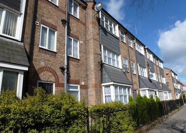 2 bed flat to rent in Coultas Court, Hull HU3