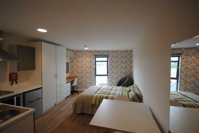Thumbnail Room to rent in Clavering Place, Newcastle Upon Tyne