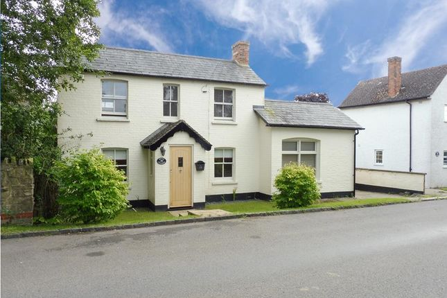 Thumbnail Cottage to rent in Quainton Road, North Marston, Buckingham