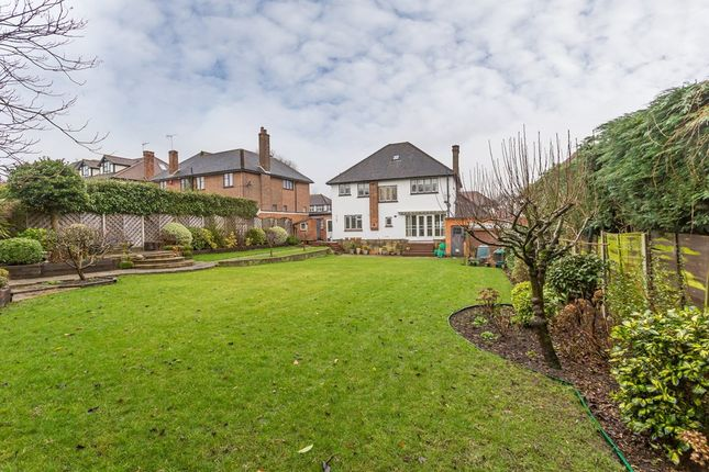 Thumbnail Detached house to rent in Meadow Way, Chigwell