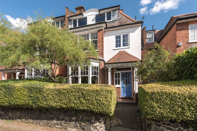 Thumbnail Property for sale in Leaside Avenue, London