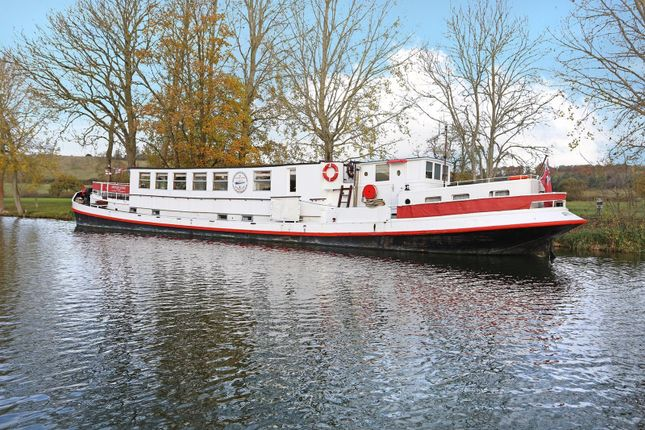 Thumbnail Houseboat for sale in Moored At Mapledurham House, Reading