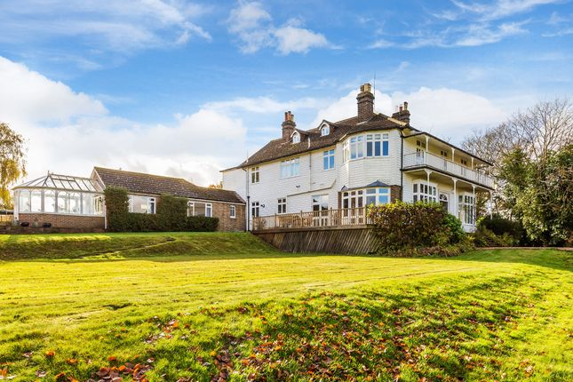 Thumbnail Detached house for sale in Den Cross, Edenbridge
