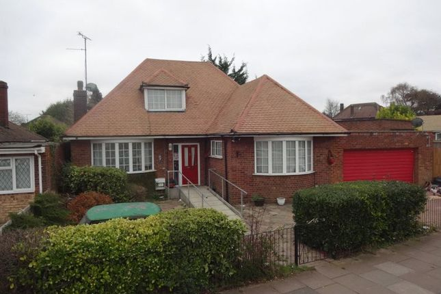 Thumbnail Detached bungalow for sale in Stoneygate Road, Leagrave, Luton