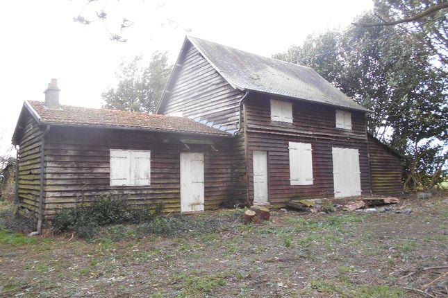Detached house for sale in Saint-Hilaire-Du-Harcouet, Basse-Normandie, 50600, France