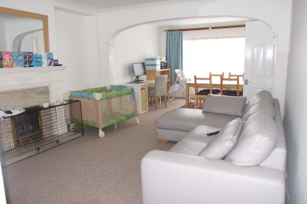 Thumbnail Bungalow to rent in The Ryde, Leigh-On-Sea