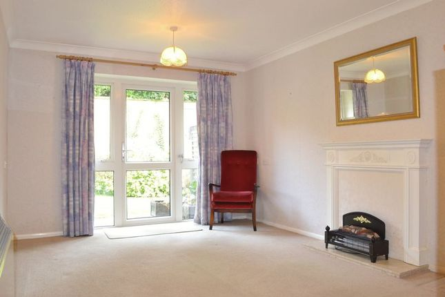 Living Room of London Road, Leicester LE2