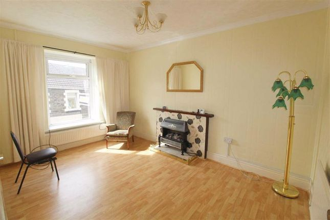 2 bed flat to rent in Richard Street, Cilfynydd, Pontypridd CF37