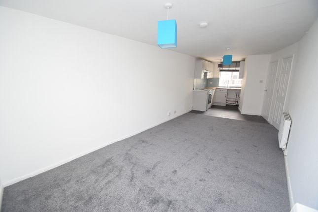Thumbnail Flat to rent in Higher Market Street, Penryn