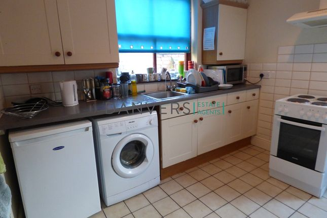 Terraced house to rent in Glenfield Road, Western Park, Leicester