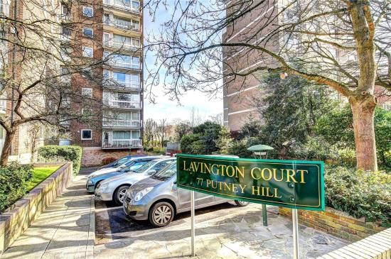 Thumbnail Bungalow to rent in Lavington Court, 77 Putney Hill, London