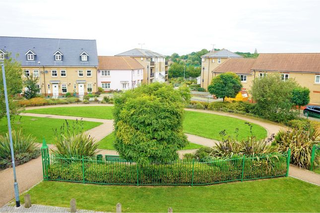 Thumbnail Town house for sale in The Nave, Basildon