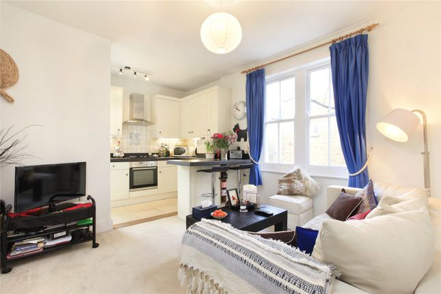Picture No. 04 of Aristotle Road, London SW4